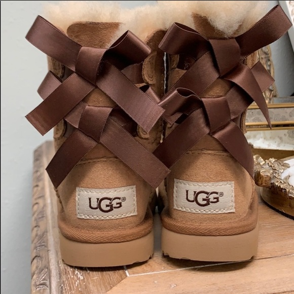 363abeb9543 TODDLER UGG Boots Bailey Bow II in Chestnut